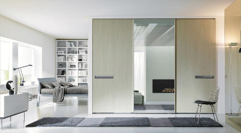 7 idee per utilizzare armadi e librerie come pareti ...