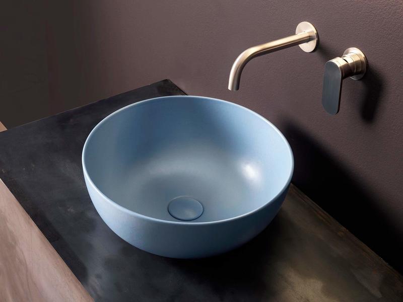 Lavabo da appoggio rotondo in ceramica blu