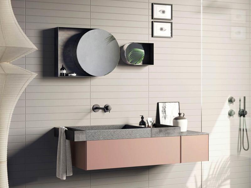 Mobile con cassetto per bagno piccolo in stile moderno
