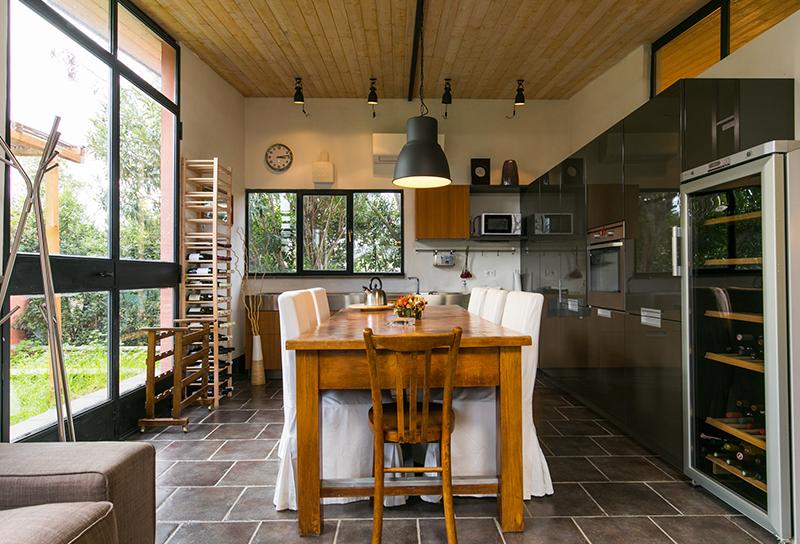 Lampadari Per Soffitti Con Travi In Legno : Tante idee per il soffitto con le travi a vista gabetti