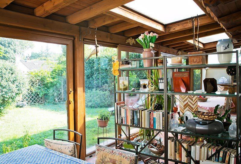 Case Piccole Con Giardino : Sempre più di moda le case con vetrate gabetti
